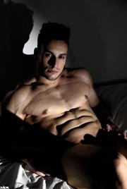 Vign_striptease-75-paris
