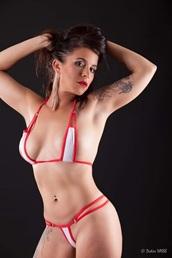 Vign_stripteaseuse-13-marseille-aix-en-provence-evg-a-domicile-anniversaire
